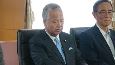 刀剣・和鉄文化を保存振興する議員連盟から林大臣に保存振興に向けた ...