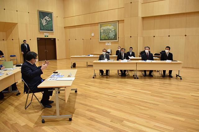 萩生田大臣が宮城県名取市立閖上小中学校等を視察