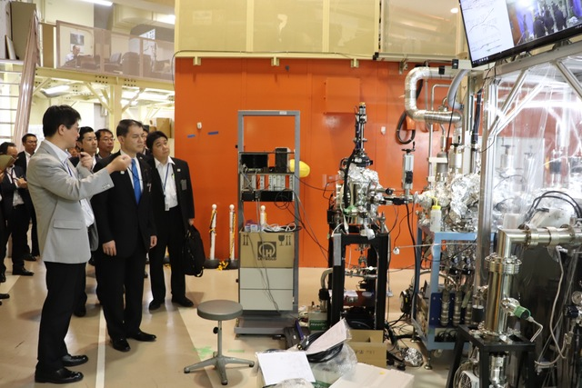 MEXT Minister visits the High Energy Accelerator Research Organization (KEK), the National Research Institute for Earth Science and Disaster Resilience (NIED) and the National Institute for Materials Science (NIMS)
